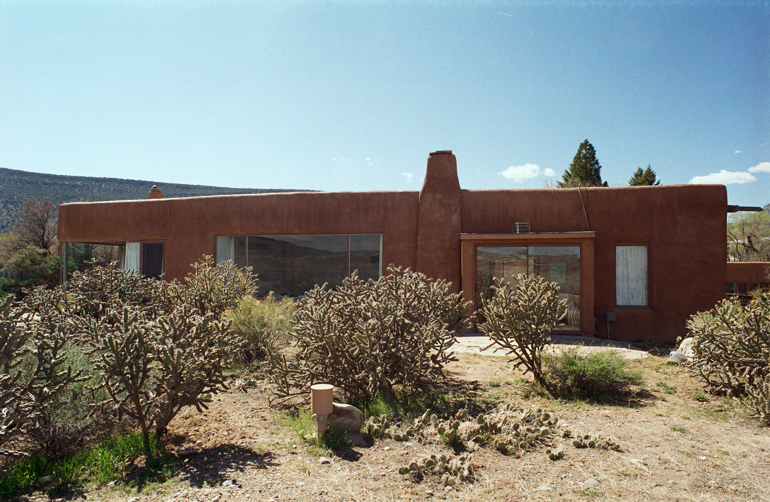 Georgia O'Keefe's home in Abiquiu, New Mexico.  Photo by Herb Lotz, 2007,  © Georgia O'Keefe Museum.