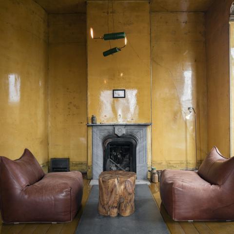 David Ireland, 500 Capp Street (interior view, upstairs living room). Photo: Henrik Kam, 2015; courtesy The 500 Capp Street Foundation.